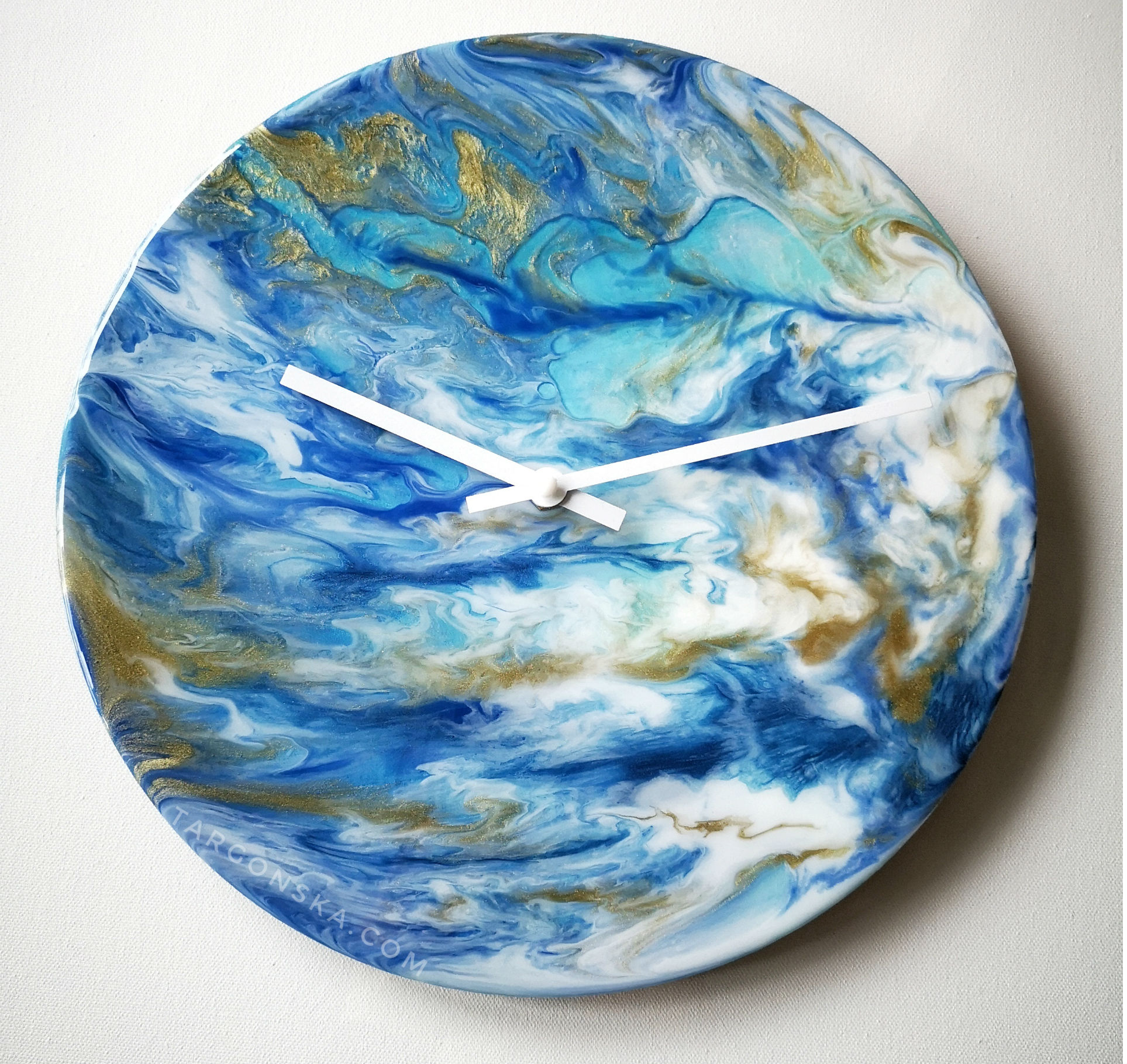 Resin Clock by Malgorzata Targonska front