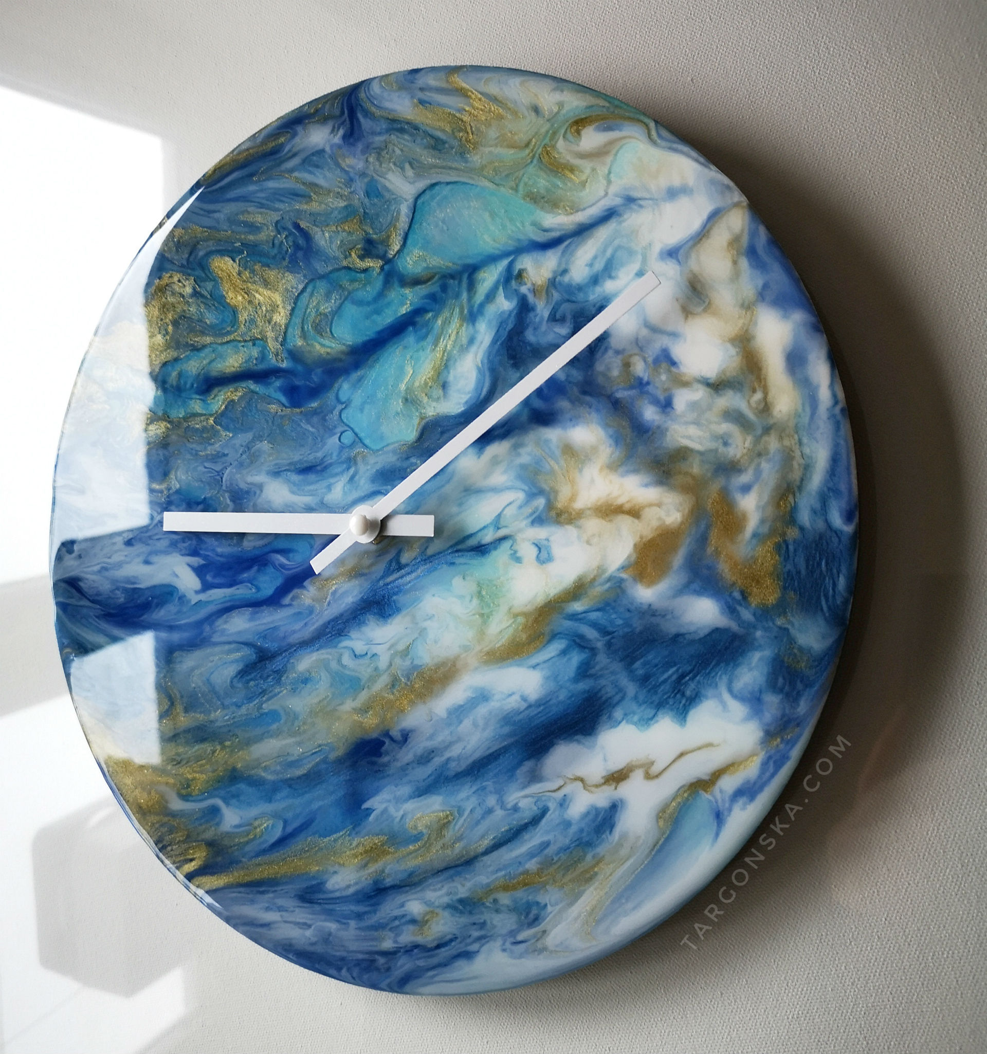 Resin Clock by Malgorzata Targonska