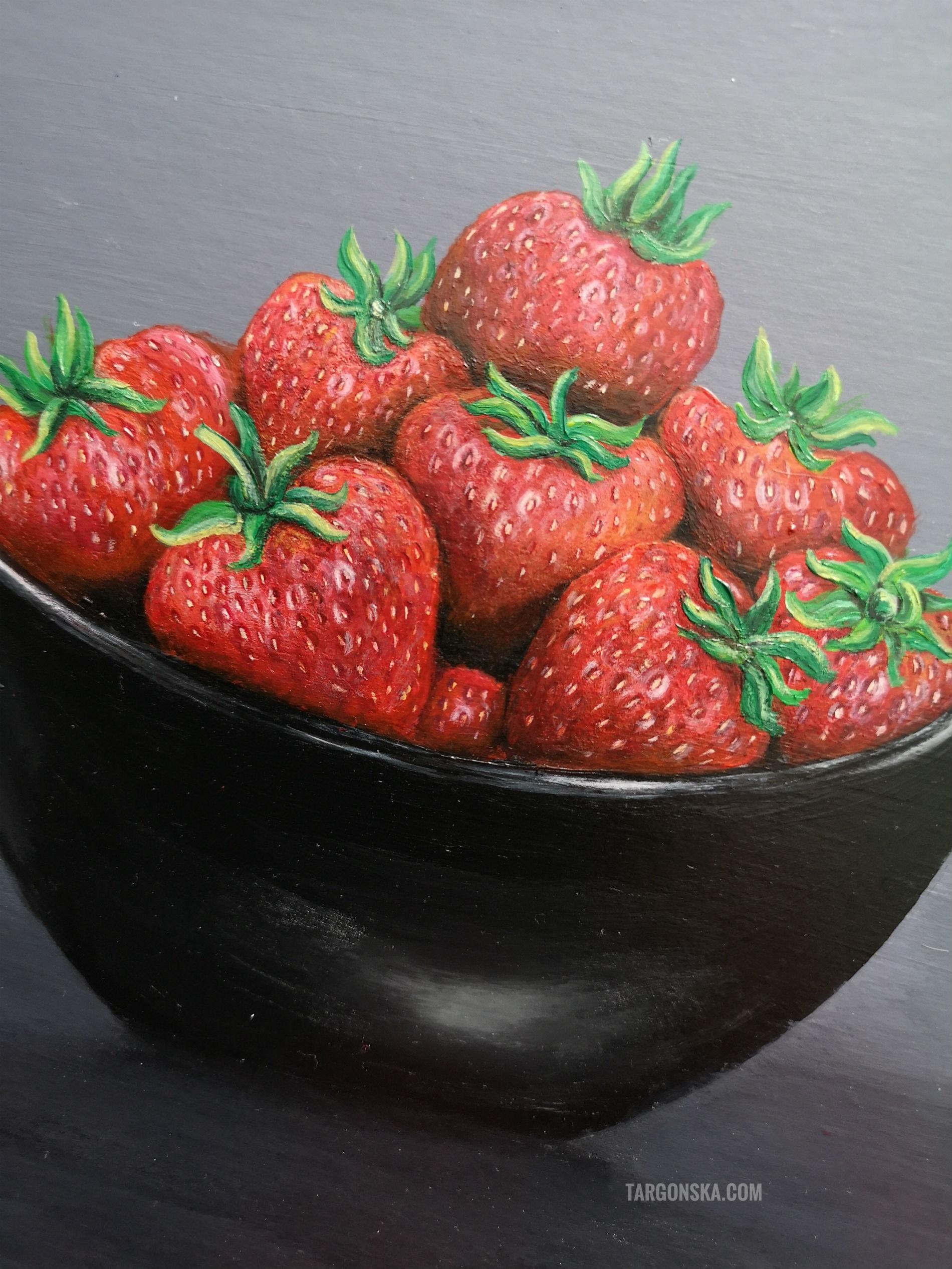Bowl of strawberries targonska